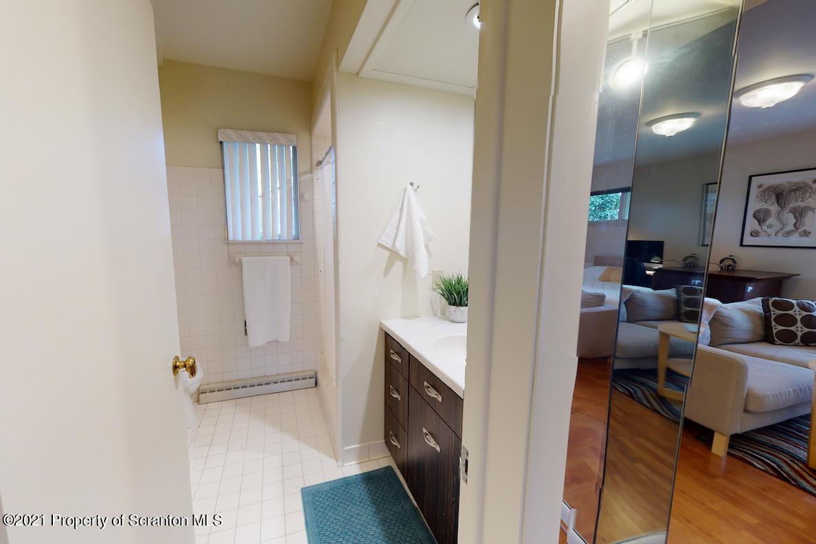 625 Taylor Ave, Scranton, Pennsylvania 18510, 3 Bedrooms Bedrooms, 8 Rooms Rooms,3 BathroomsBathrooms,Single Family,For Sale,Taylor,21-1376