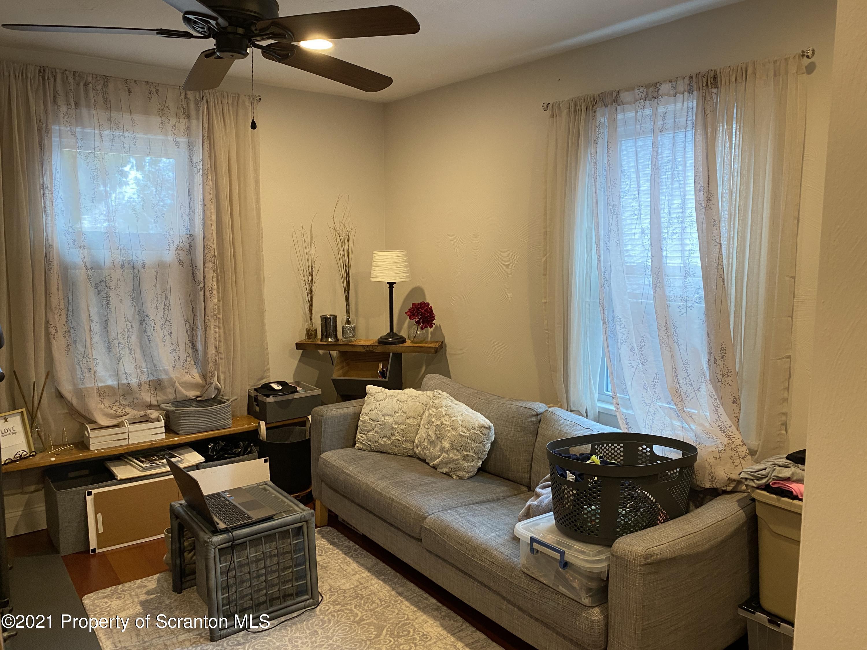 724 Gibbons St, Scranton, Pennsylvania 18505, 2 Bedrooms Bedrooms, 6 Rooms Rooms,1 BathroomBathrooms,Single Family,For Sale,Gibbons,21-1392