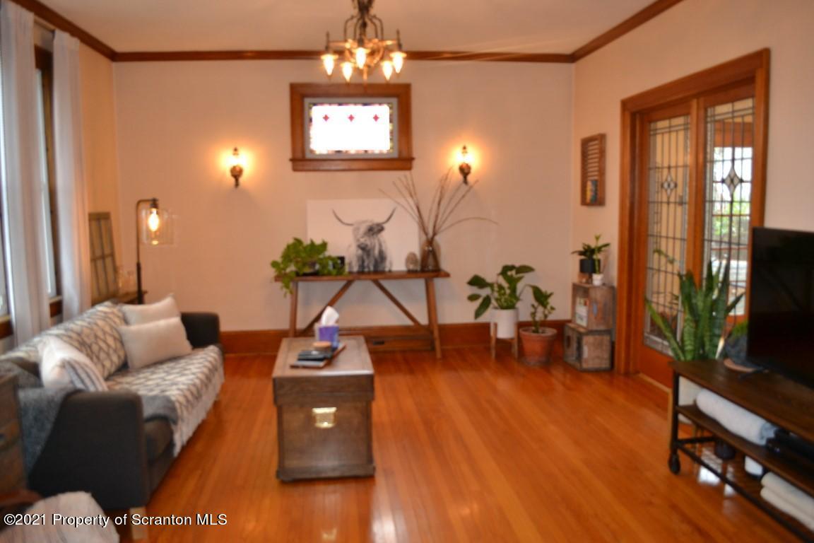740 Willow St, Scranton, Pennsylvania 18505, 2 Bedrooms Bedrooms, 5 Rooms Rooms,1 BathroomBathrooms,Single Family,For Sale,Willow,21-1390