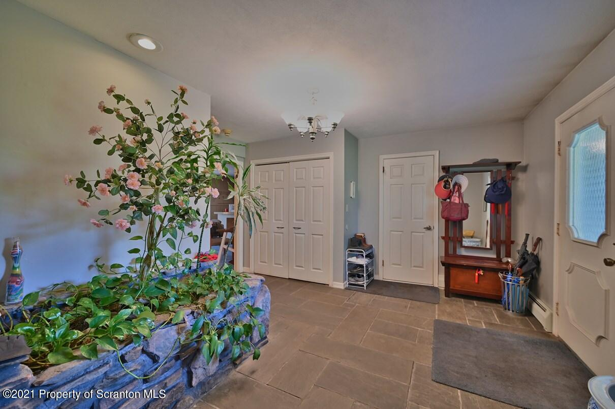 101 Winter Rules Rd, Waverly Twp, Pennsylvania 18411, 4 Bedrooms Bedrooms, 11 Rooms Rooms,5 BathroomsBathrooms,Single Family,For Sale,Winter Rules,21-1629
