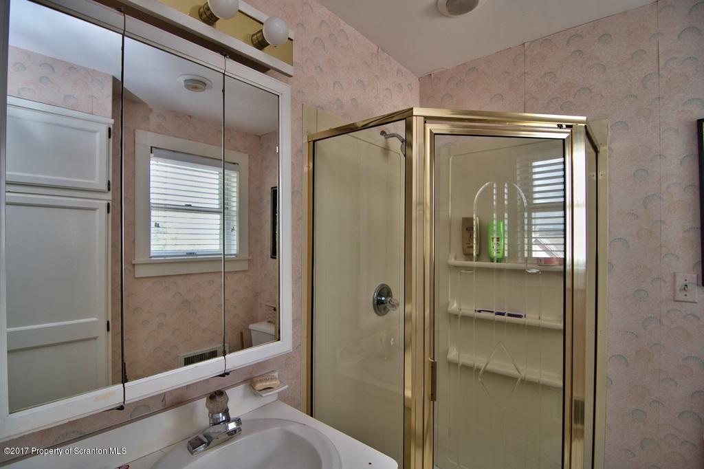 801 Clay Ave, Scranton, Pennsylvania 18510, 4 Bedrooms Bedrooms, 16 Rooms Rooms,7 BathroomsBathrooms,Single Family,For Sale,Clay,21-1525