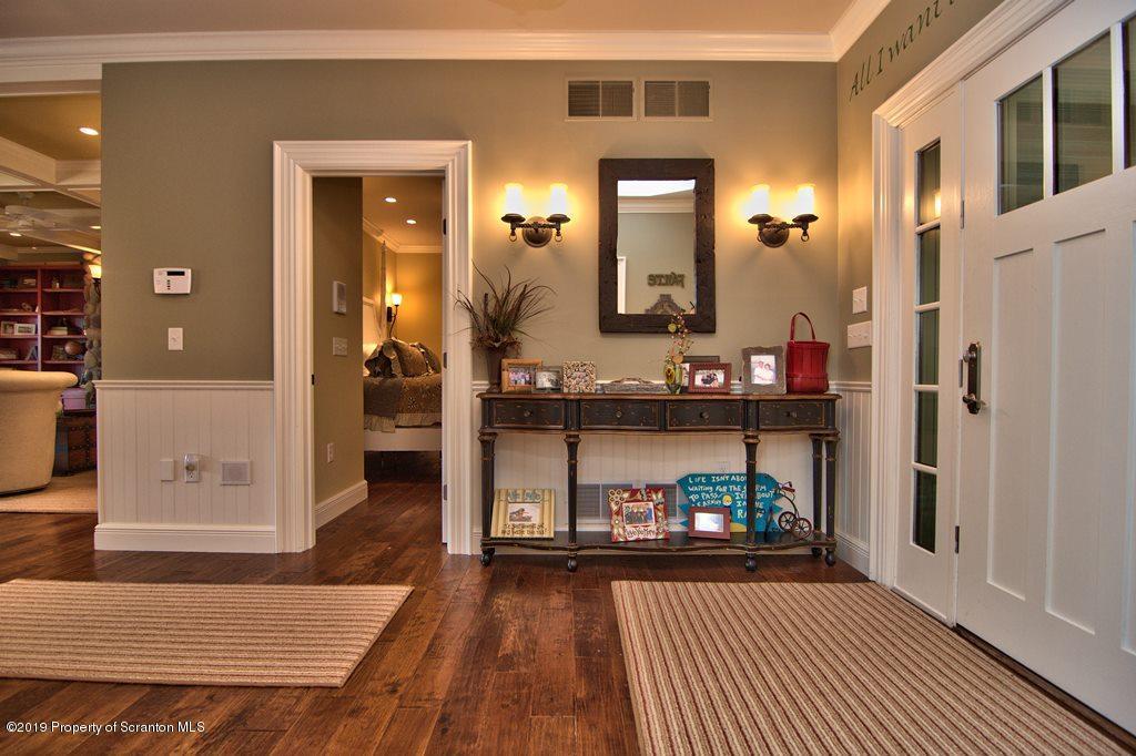 261 Shore Dr, Susquehanna, Pennsylvania 18847, 5 Bedrooms Bedrooms, 11 Rooms Rooms,5 BathroomsBathrooms,Single Family,For Sale,Shore,21-1551