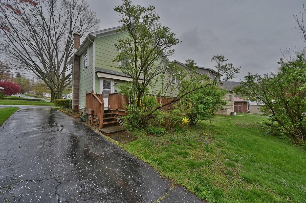 201 Wells St, South Abington Twp, Pennsylvania 18411, 3 Bedrooms Bedrooms, 5 Rooms Rooms,1 BathroomBathrooms,Single Family,For Sale,Wells,21-1584