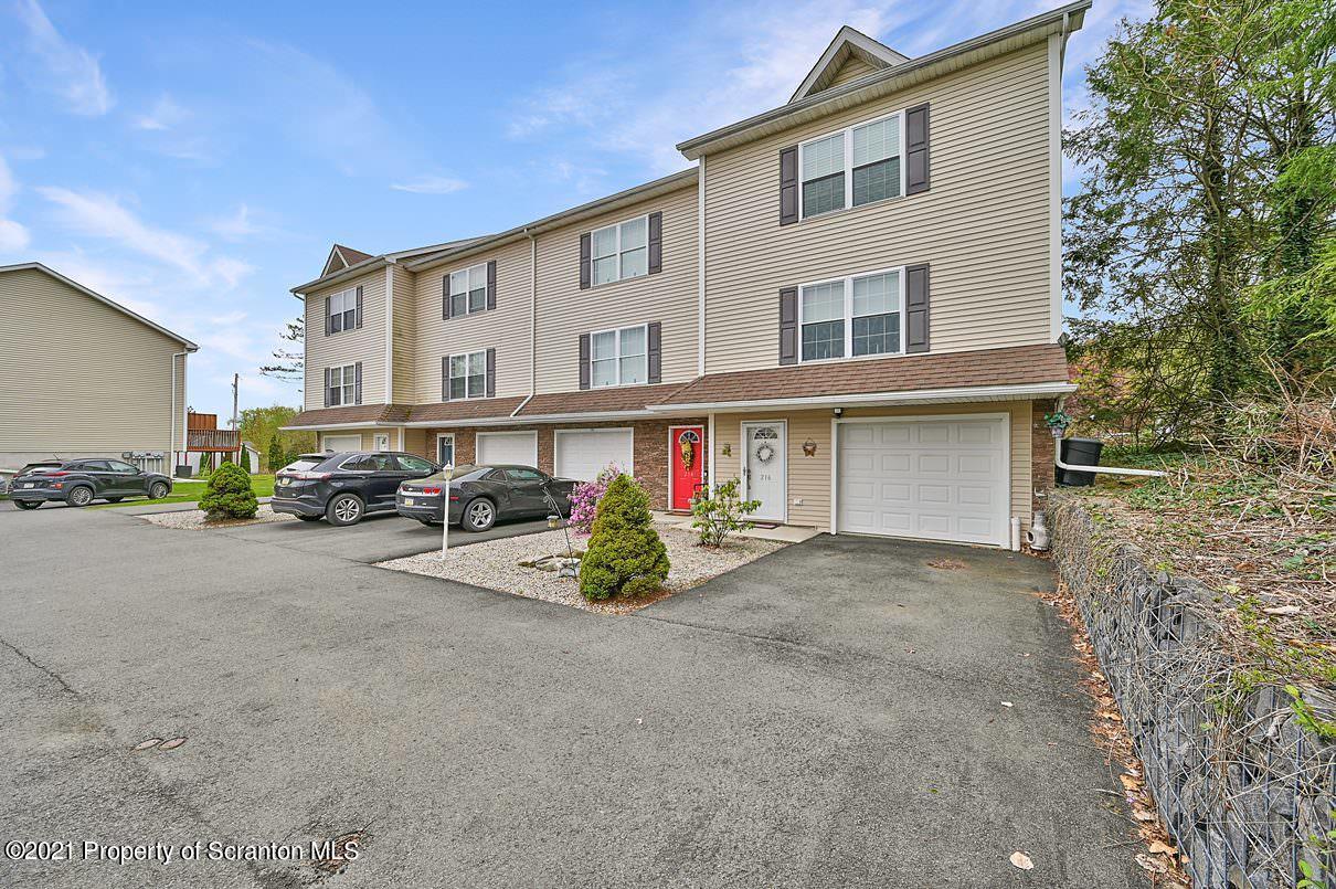 216 Park Edge Ln, Scranton, Pennsylvania 18504, 3 Bedrooms Bedrooms, 5 Rooms Rooms,2 BathroomsBathrooms,Residential - condo/townhome,For Sale,Park Edge,21-1637