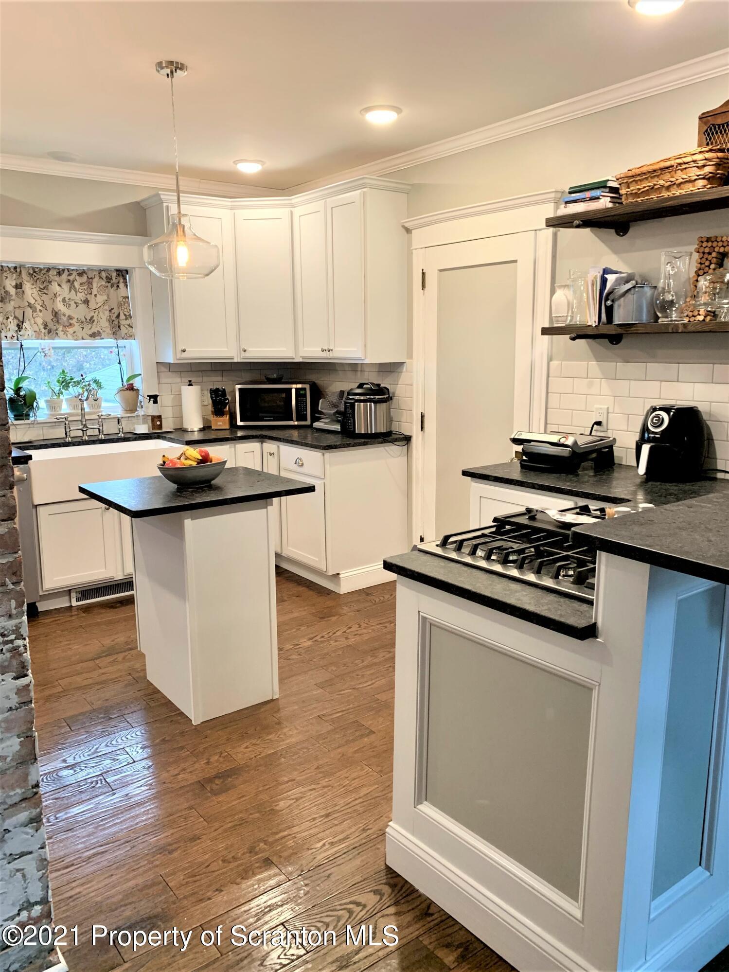 34 Clark Ave, Carbondale, Pennsylvania 18407, 3 Bedrooms Bedrooms, 7 Rooms Rooms,2 BathroomsBathrooms,Single Family,For Sale,Clark,21-1635