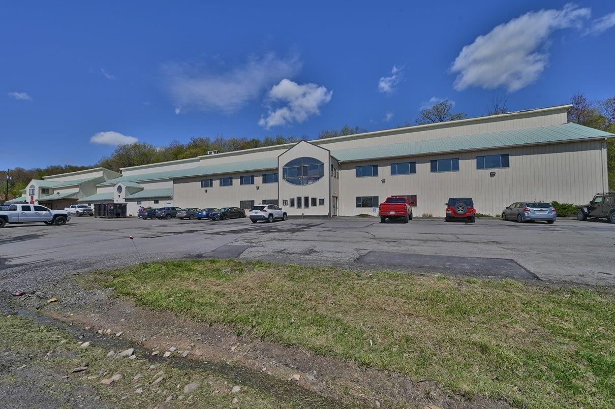 603 Scranton Cdale Hwy 2nd Fl Space 3, Mayfield, Pennsylvania 18433, ,1 BathroomBathrooms,Commercial,For Lease,Scranton Cdale Hwy 2nd Fl,21-1770