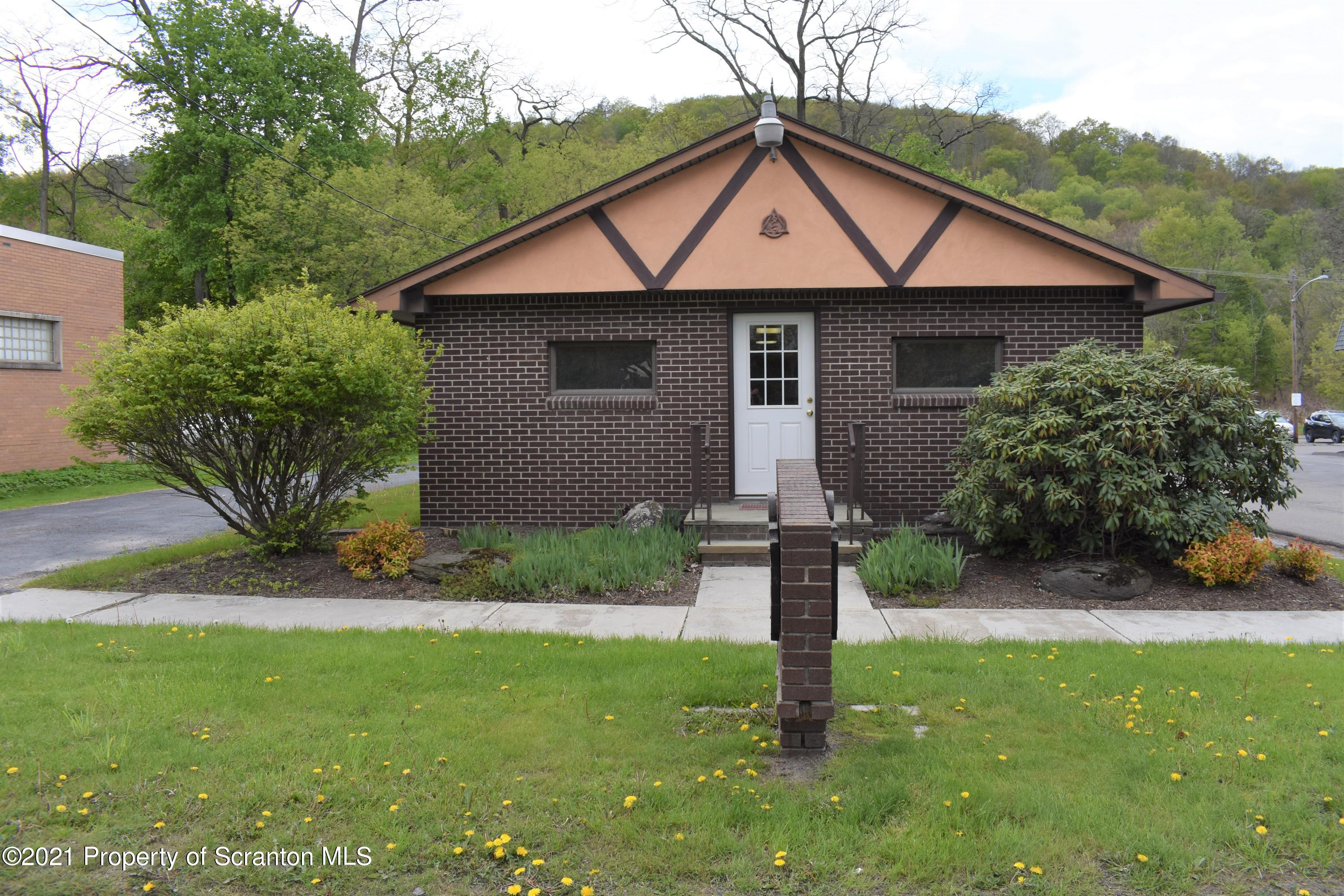 821 Main Street, New Milford, Pennsylvania 18834, ,2 BathroomsBathrooms,Commercial,For Sale,Main,21-1798
