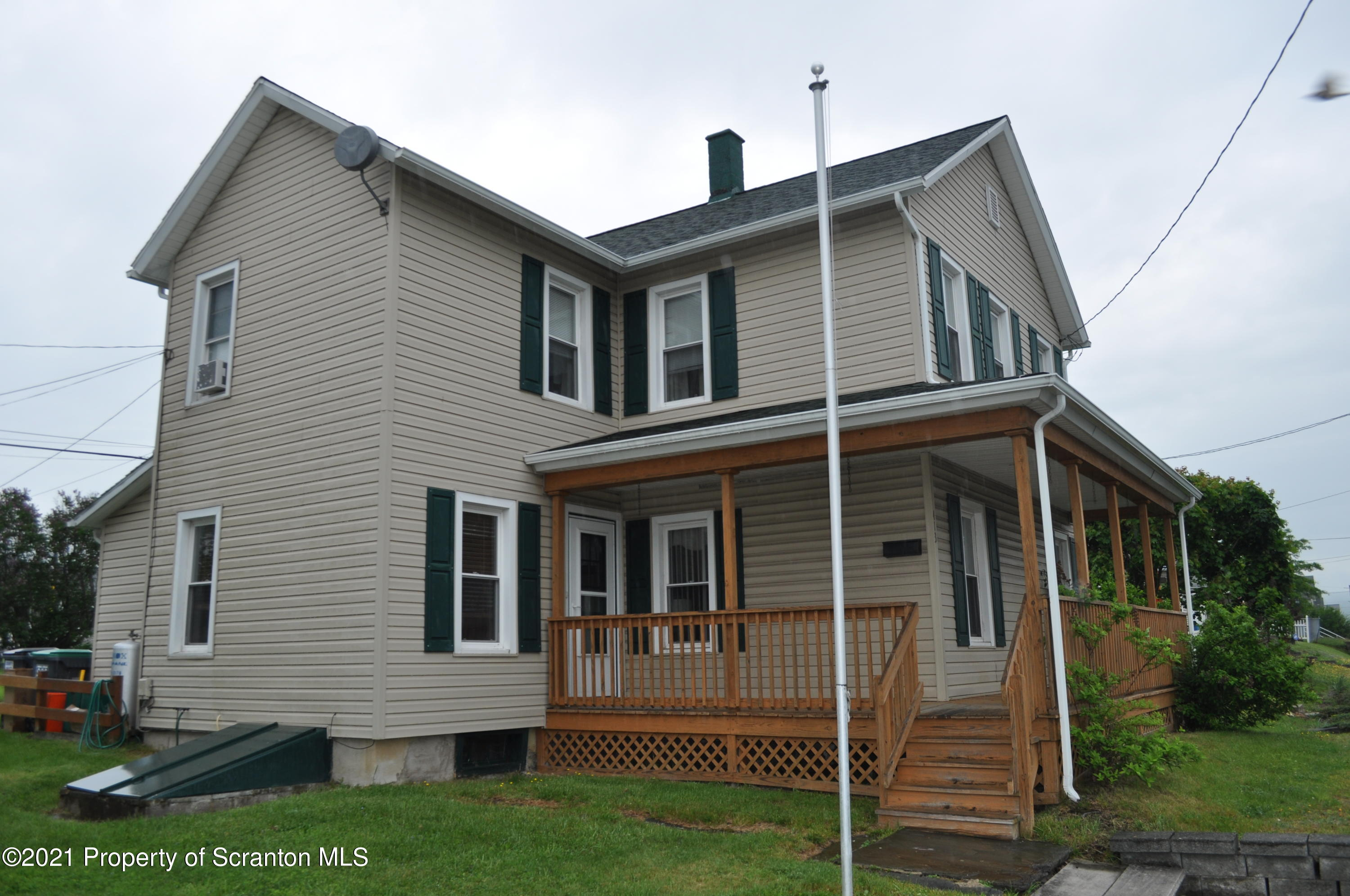 413 Main St, Vandling, Pennsylvania 18421, 3 Bedrooms Bedrooms, 6 Rooms Rooms,2 BathroomsBathrooms,Single Family,For Sale,413 Main St,21-2362