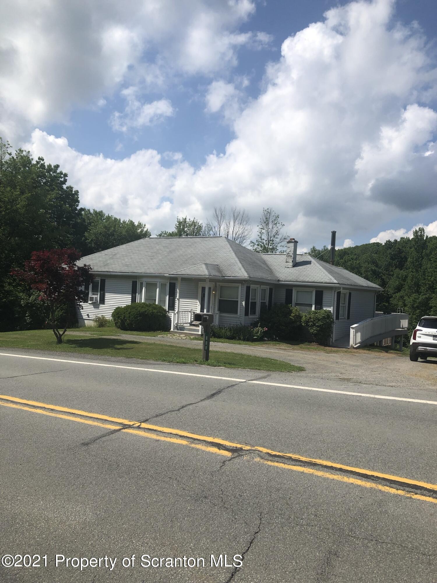 568 Lakeland Drive, Scott Twp, Pennsylvania 18447, 2 Bedrooms Bedrooms, 9 Rooms Rooms,2 BathroomsBathrooms,Single Family,For Sale,Lakeland Drive,21-2439