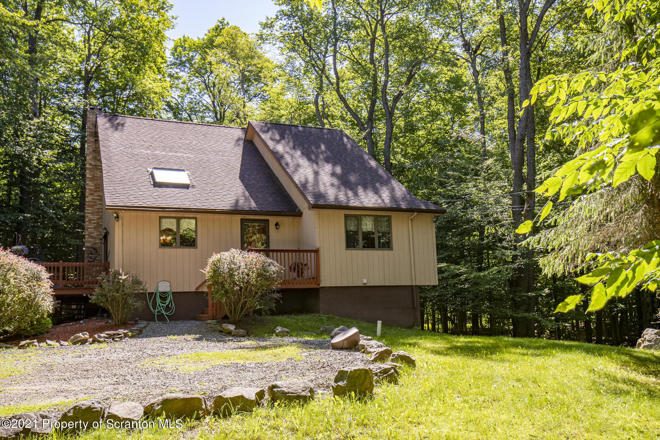411 Packanack Dr, Clifton Twp, Pennsylvania 18424, 3 Bedrooms Bedrooms, 7 Rooms Rooms,2 BathroomsBathrooms,Single Family,For Sale,Packanack,21-2530