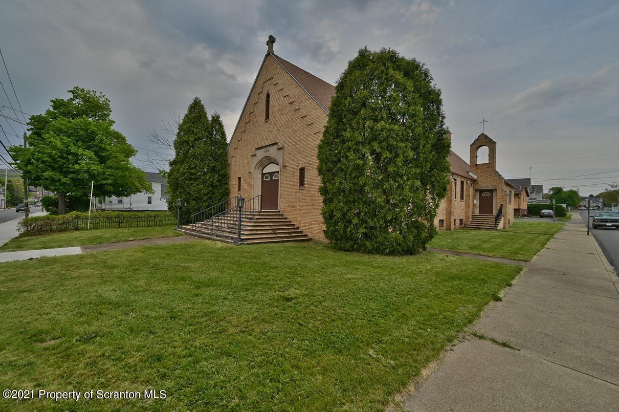 1100 Main St, Peckville, Pennsylvania 18452, 8 Rooms Rooms,2 BathroomsBathrooms,Single Family,For Sale,Main,21-2535