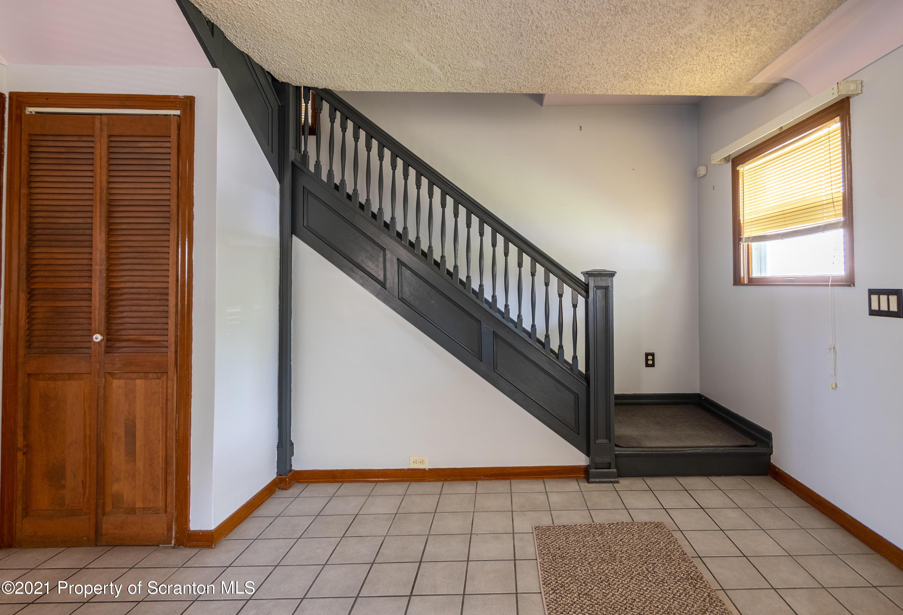821 Prescott Ave, Scranton, Pennsylvania 18510, 3 Bedrooms Bedrooms, 5 Rooms Rooms,1 BathroomBathrooms,Single Family,For Sale,Prescott,21-2929