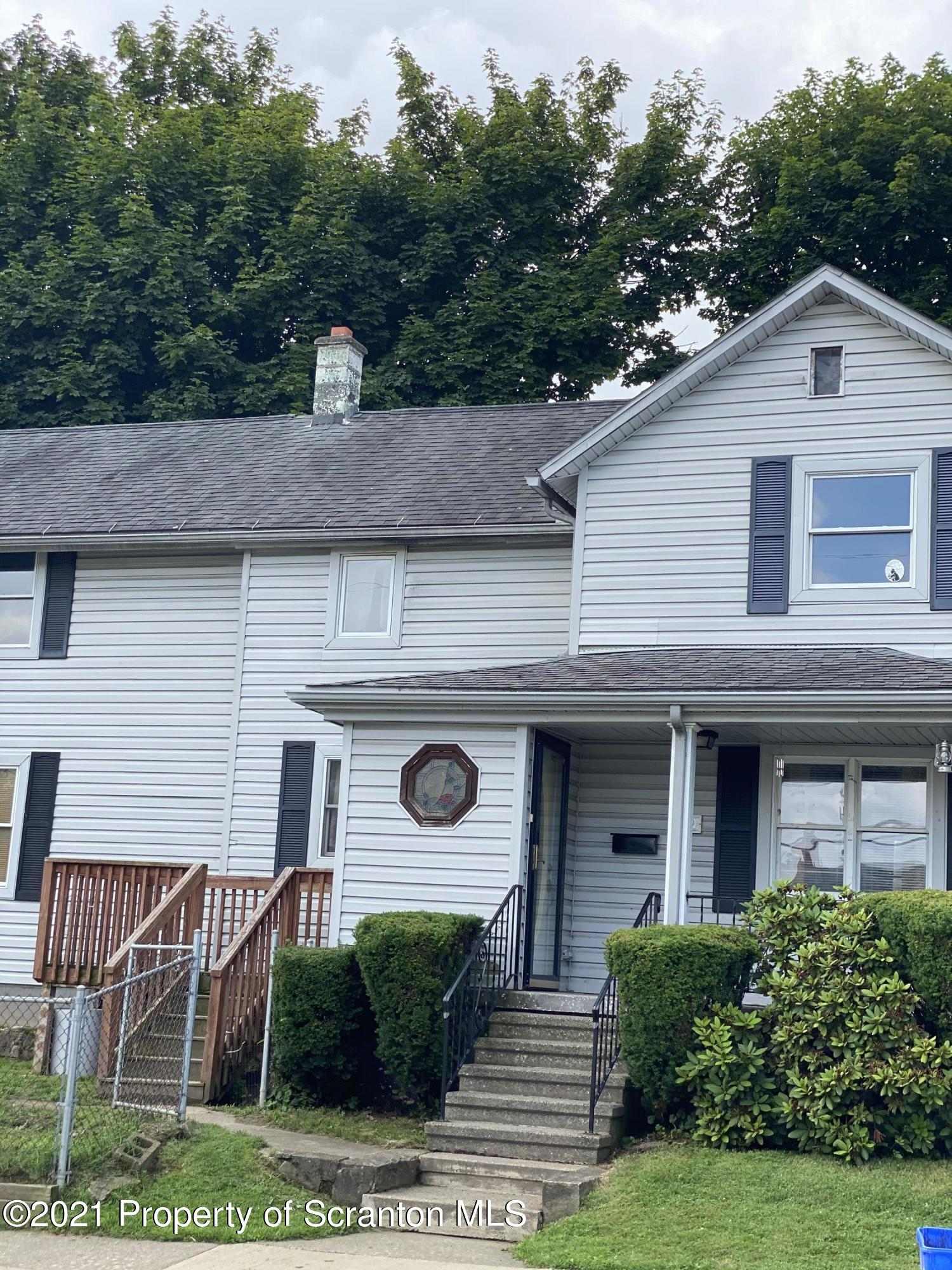 609 Storrs Ave, Dickson City, Pennsylvania 18519, 3 Bedrooms Bedrooms, 7 Rooms Rooms,1 BathroomBathrooms,Single Family,For Sale,Storrs,21-3038