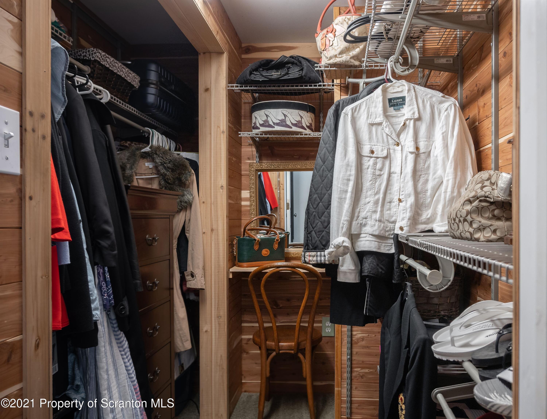421 Iroquois Loop, Canadensis, Pennsylvania 18325, 4 Bedrooms Bedrooms, 9 Rooms Rooms,2 BathroomsBathrooms,Single Family,For Sale,Iroquois Loop,21-3073