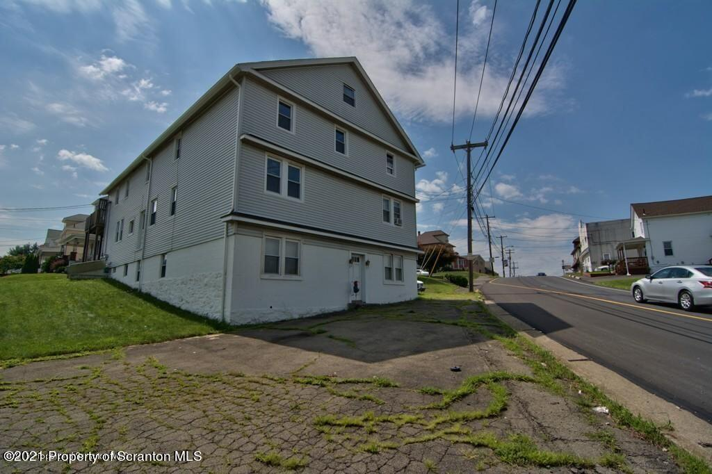 752 Dunmore St, Throop, Pennsylvania 18512, ,Multi-Family,For Sale,Dunmore,21-3074
