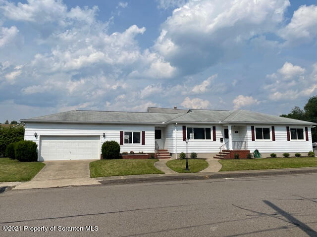 231 Cherry St, Jessup, Pennsylvania 18434, 4 Bedrooms Bedrooms, 9 Rooms Rooms,2 BathroomsBathrooms,Single Family,For Sale,Cherry,21-3111