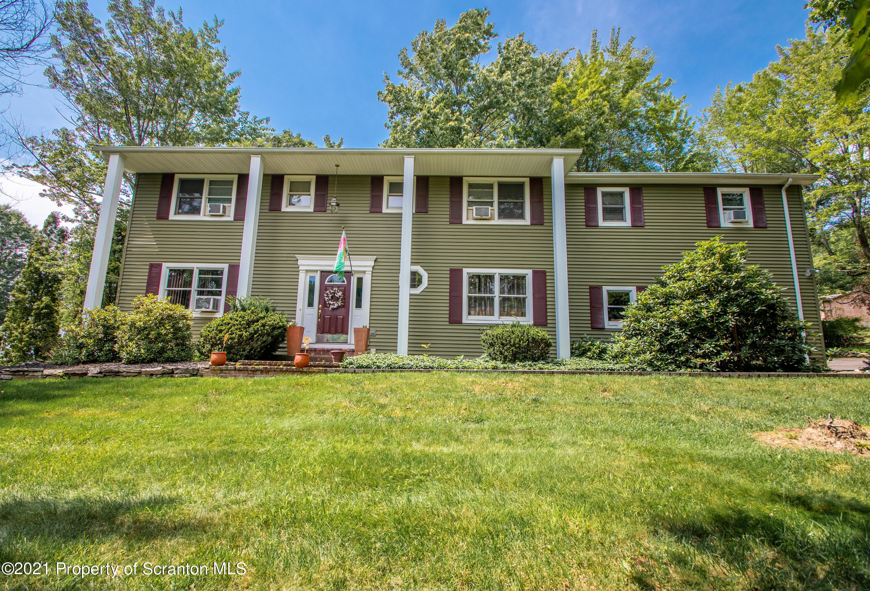 3 White Birch Lane, Glenburn, Pennsylvania 18411, 6 Bedrooms Bedrooms, 11 Rooms Rooms,3 BathroomsBathrooms,Single Family,For Sale,White Birch,21-3250