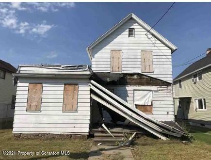 227 Maple St, Dickson City, Pennsylvania 18519, 4 Bedrooms Bedrooms, 7 Rooms Rooms,2 BathroomsBathrooms,Single Family,For Sale,Maple,21-3276