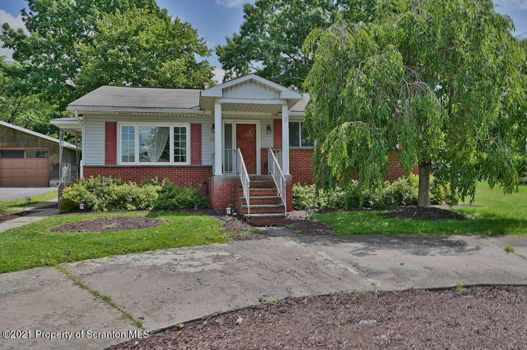 123 Ash St, Archbald, Pennsylvania 18403, 5 Bedrooms Bedrooms, 8 Rooms Rooms,2 BathroomsBathrooms,Single Family,For Sale,Ash,21-3434