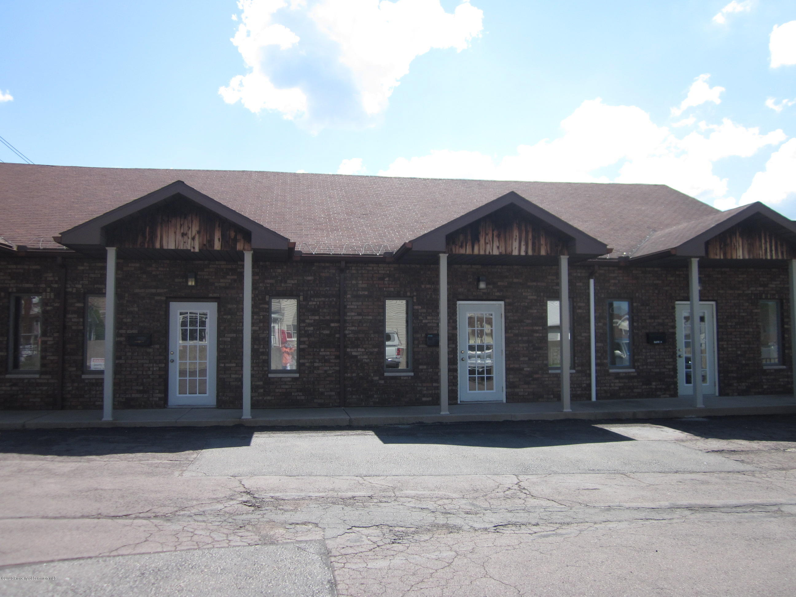 1005 Main St, Peckville, Pennsylvania 18452, ,1 BathroomBathrooms,Commercial,For Lease,Main,21-4338