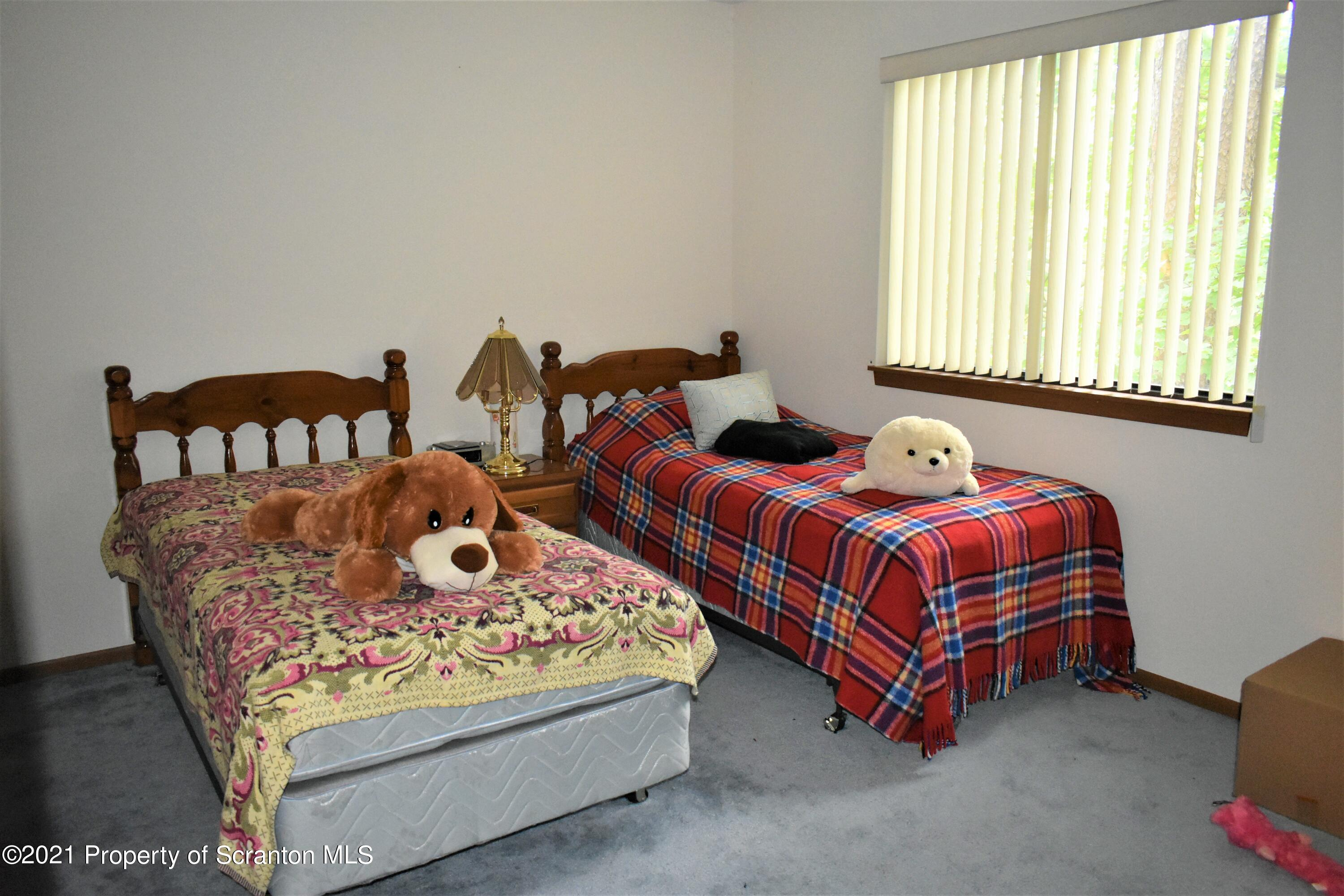 BEDROOM PRIMARY PIC 2
