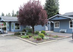 Casa Unifamiliar por un Venta en 37359 STATE HIGHWAY 299 Burney, California 96013 Estados Unidos