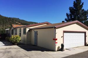 Casa Unifamiliar por un Venta en 13905 Trinity Mountain Road French Gulch, California 96033 Estados Unidos