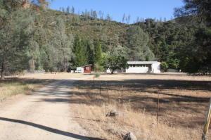 Casa Unifamiliar por un Venta en 14869 Trinity Mountain Road French Gulch, California 96033 Estados Unidos