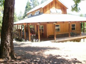 Single Family Home for Sale at 20449 State Hwy 3 Douglas City, California 96024 United States