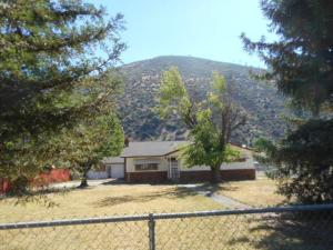 Casa Unifamiliar por un Venta en 14115 Main Street French Gulch, California 96033 Estados Unidos