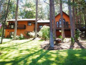 Casa Unifamiliar por un Venta en 20041 Hudson Street Burney, California 96013 Estados Unidos