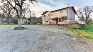 Casa Unifamiliar por un Venta en 13877 Jody Lane Bella Vista, California 96008 Estados Unidos