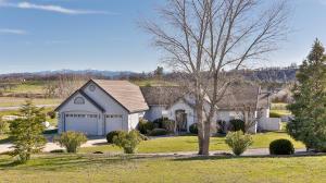 Casa Unifamiliar por un Venta en 12813 Brookview Manor Drive Bella Vista, California 96008 Estados Unidos