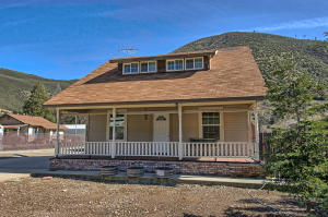 Casa Unifamiliar por un Venta en 14177 Main Street French Gulch, California 96033 Estados Unidos