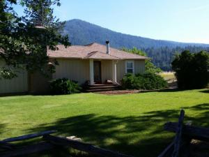Single Family Home for Sale at 28056 Metzger Road Fall River Mills, California 96028 United States