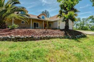 Single Family Home for Sale at 24035 Ajax Lane Bella Vista, California 96008 United States