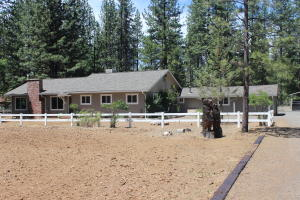 Single Family Home for Sale at 40952 Old School Road Fall River Mills, California 96028 United States