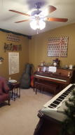 music room / 2nd bed room