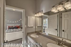 jackand jill bathroom, bedroom 2