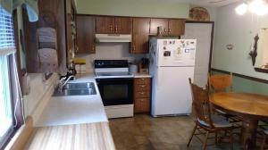 211 North Pinewood Republic Mo 65738