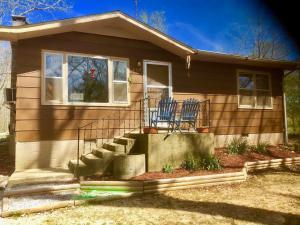 662 County Road 557 Caulfield Mo 65626