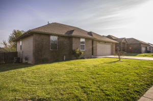 883 East Sparrow Nixa Mo 65714