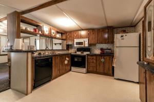 1182 Country Meadows Ozark Mo 65721