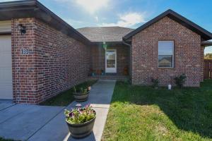102 East Shawnee Strafford Mo 65757