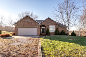 154 Crown Marshfield Mo 65706