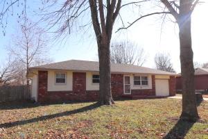 204 North Oakwood Republic Mo 65738