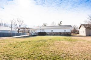 225 West Clinton Rogersville Mo 65742