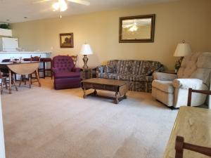 120 Spring Creek Branson Mo 65616 Unit 2