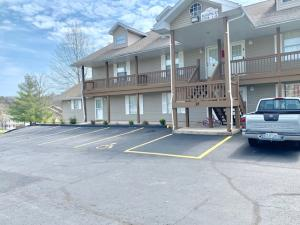 27 Fall Creek Branson Mo 65616 Unit 3