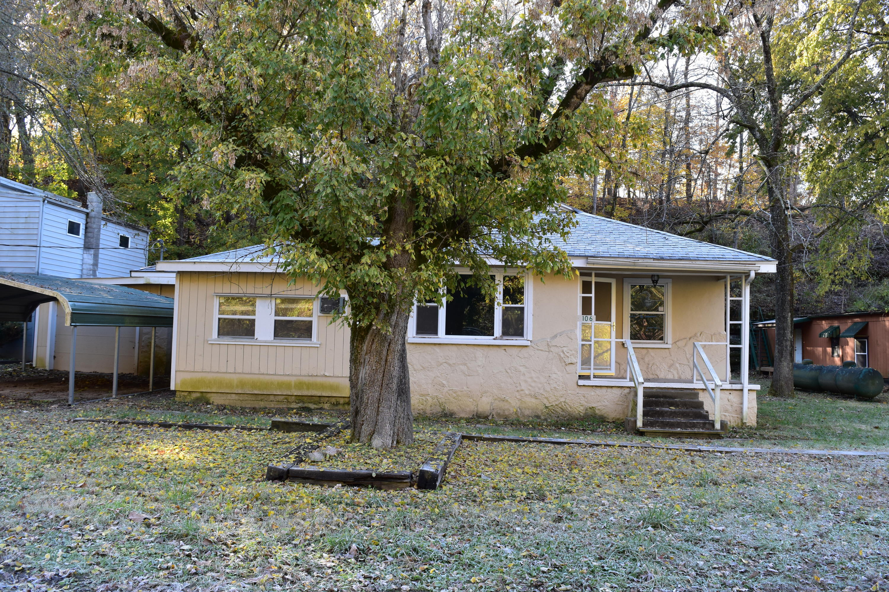 106 East State Hwy 248 Reeds Spring Mo 65737